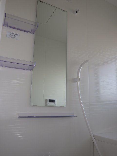 シャンプーや石鹸もおける棚