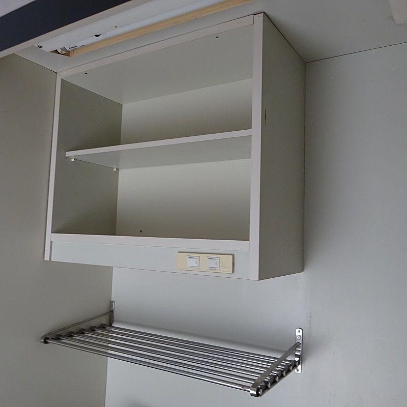キッチンの上の棚も便利