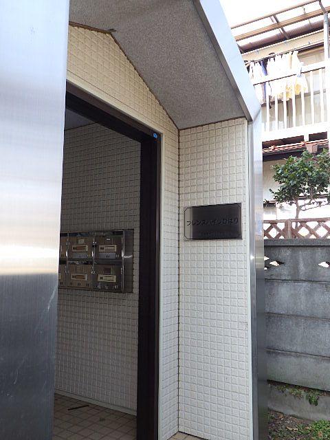 アパートの入口