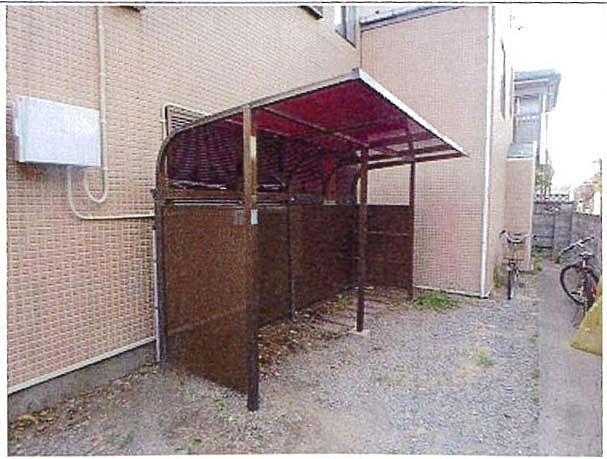 屋根付の駐輪場は雨でも安心