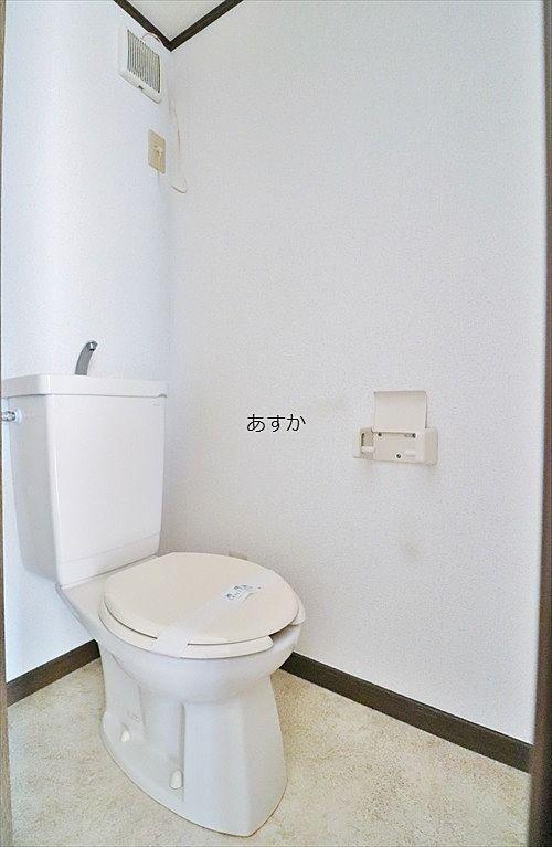 バスルームと別のトイレ
