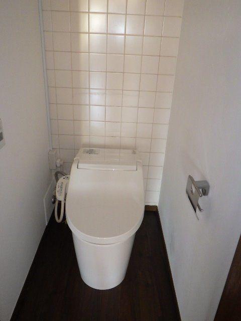 タンクレスのおしゃれなトイレ