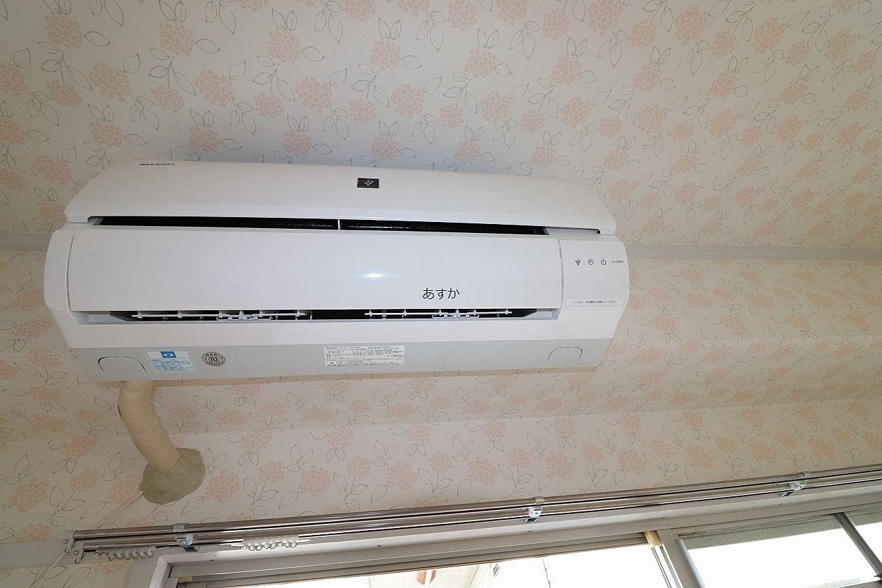 6帖洋室にも新しいエアコン
