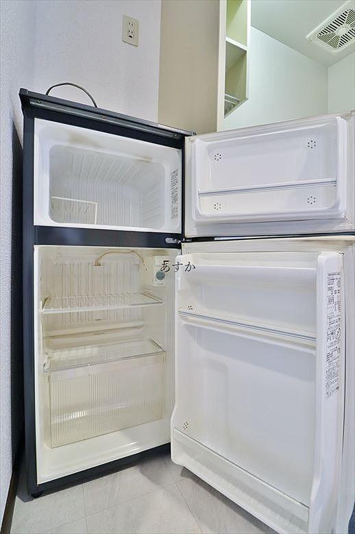一人暮らしであれば十分な大きさの2ドア冷蔵庫
