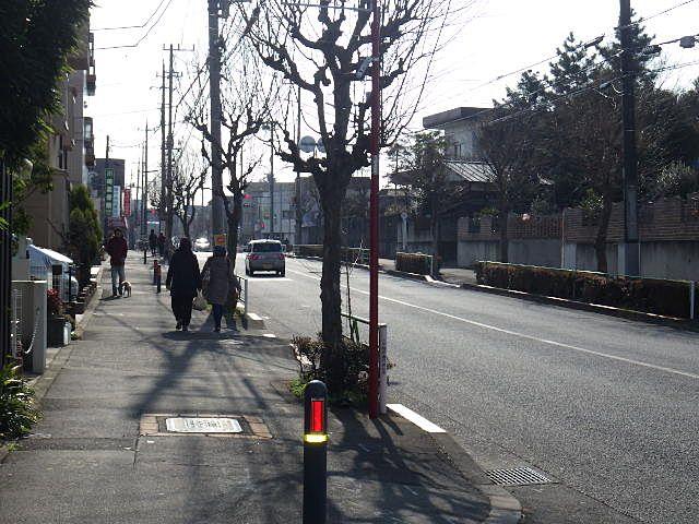 保谷駅、西武新宿線東伏見へも便利なバス通り