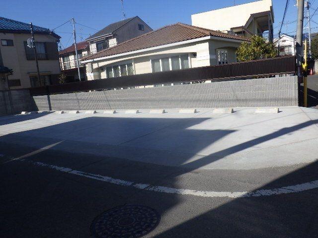 新規オープンの駐車場