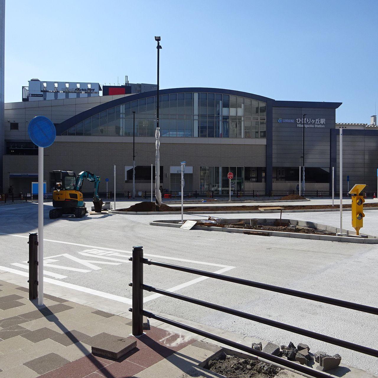 駅前にバス停が出来ます