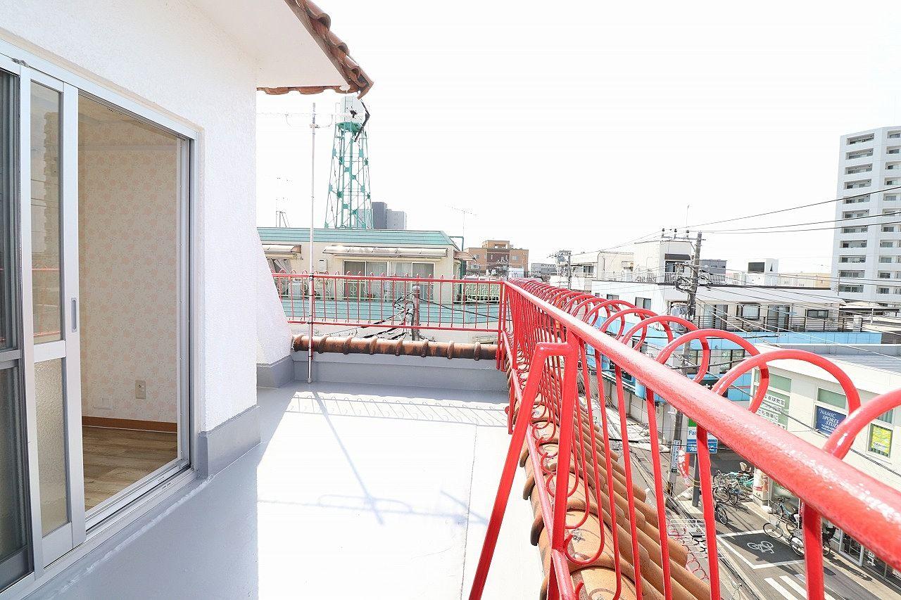 防水塗装のされたバルコニーは眺望も良好