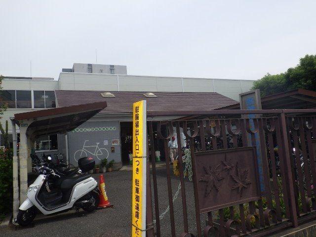 バイクも置ける駐輪場は便利