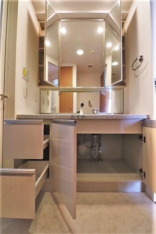 収納力のある洗面台