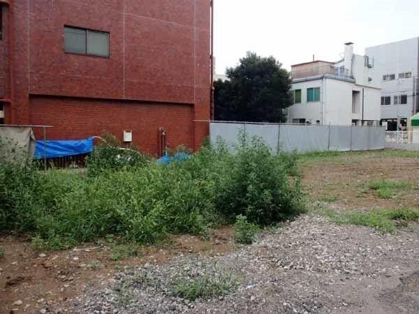 駅前のマンションが都市計画により解体