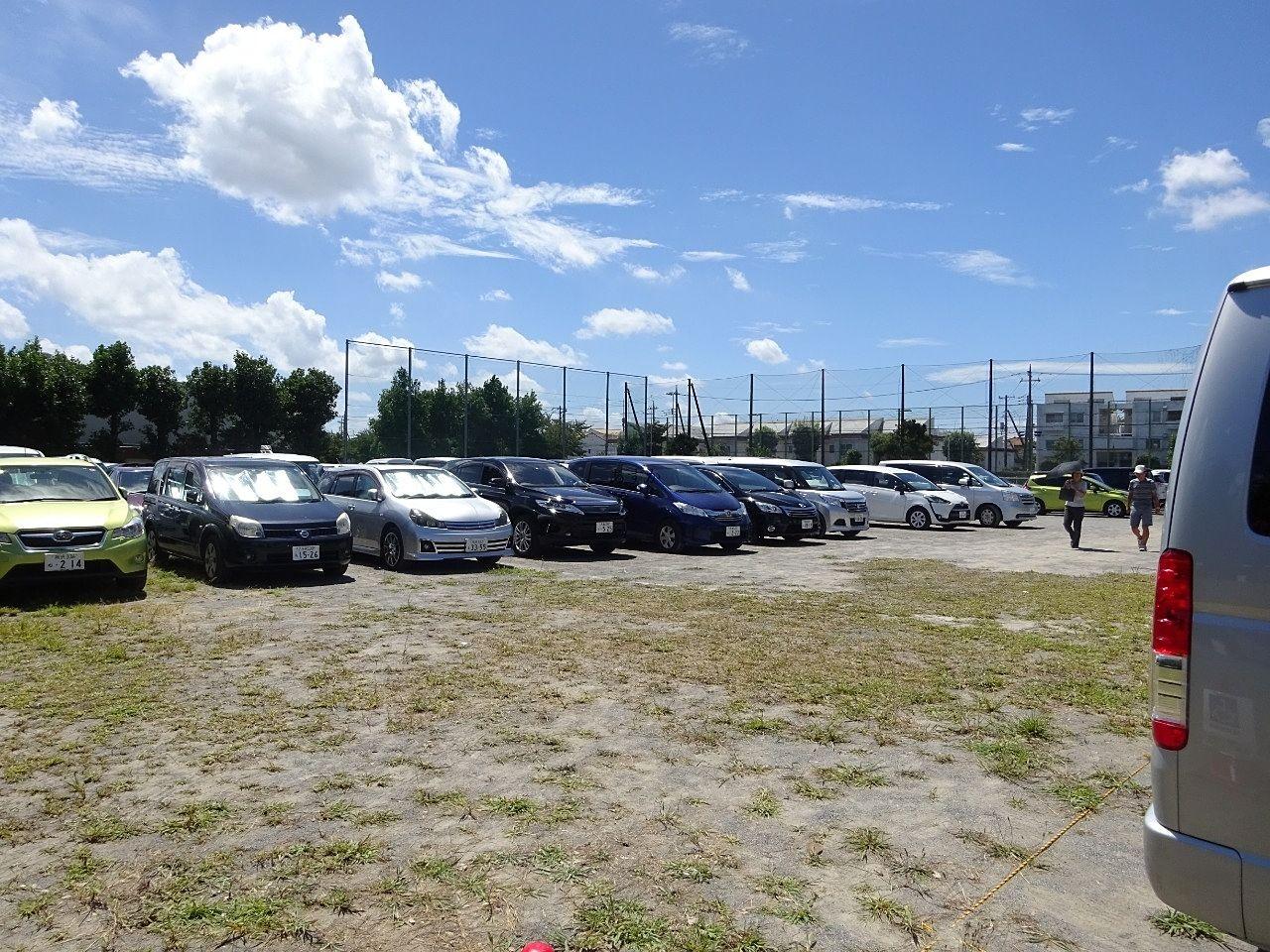 コミニュティープラザ内の駐車場