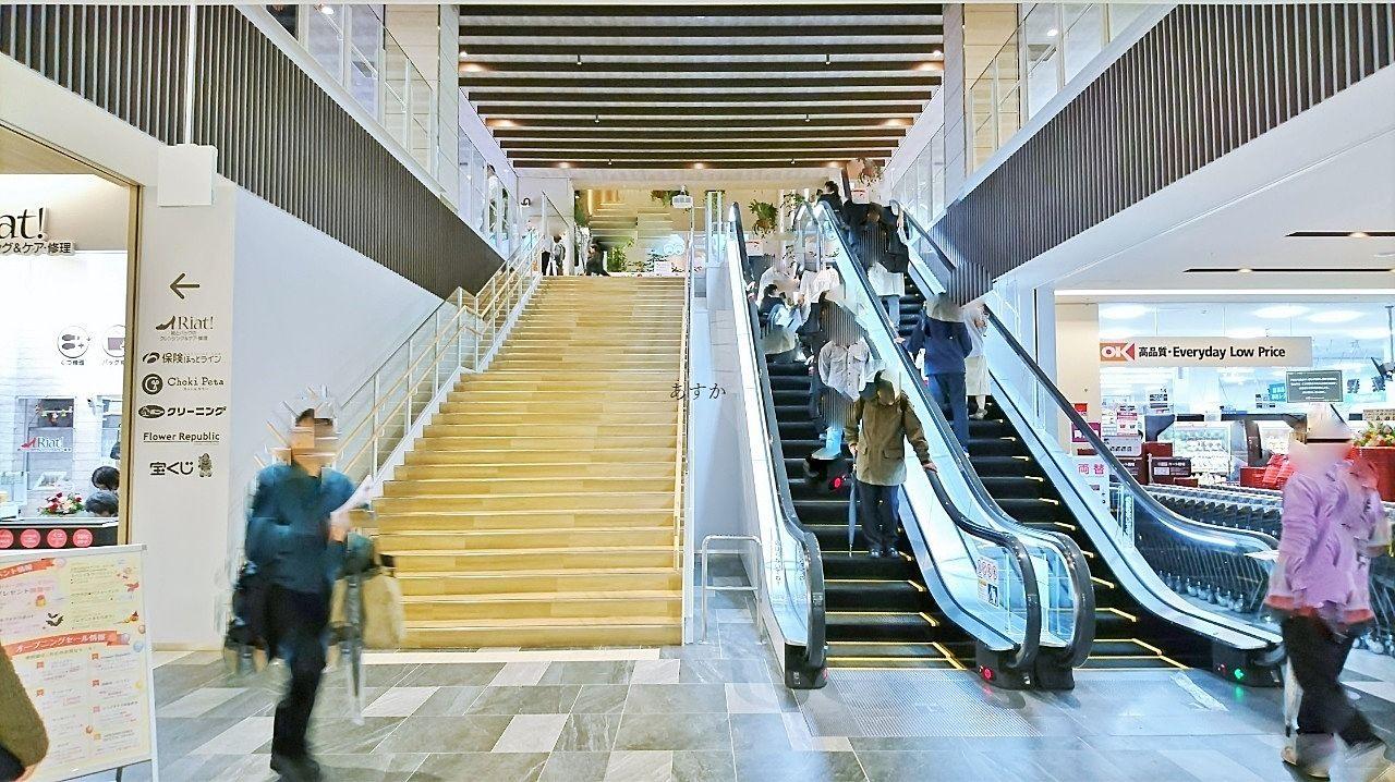 2階フロアへのエレベーター