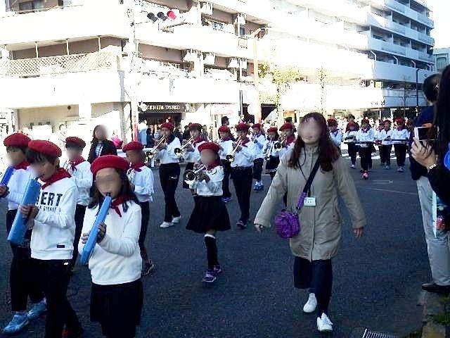 市内小学校の鼓笛隊