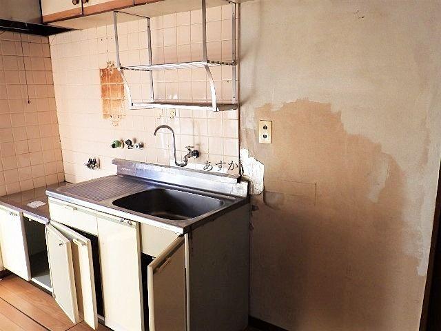 退去後のキッチンの様子