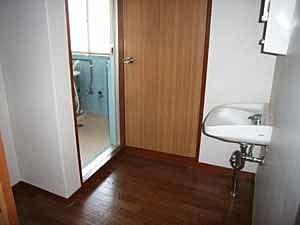 洗面所の床は貼り替え