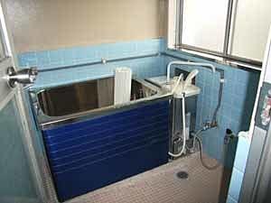バランス釜の床置き型の浴槽
