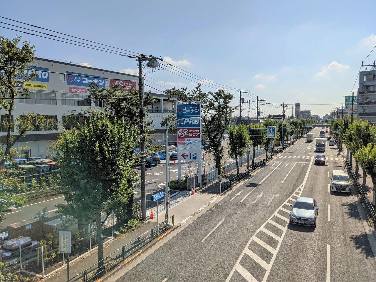 青梅街道沿いで分かりやすい立地
