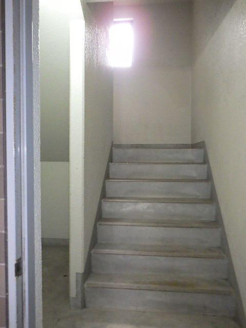 マンション内の階段