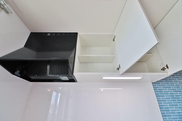 換気扇と吊戸棚
