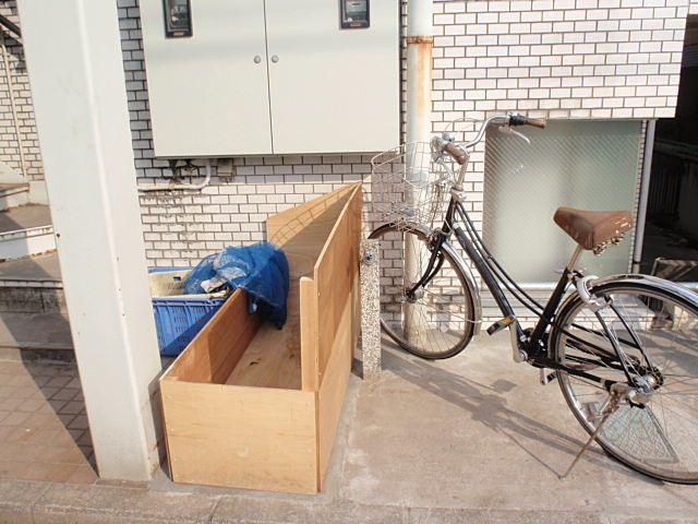 簡易のゴミ箱設置後
