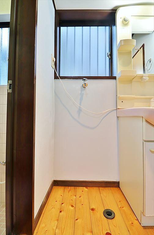洗面所内の洗濯機置場