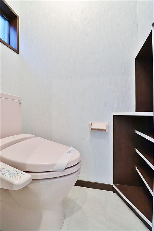 1階トイレ内部