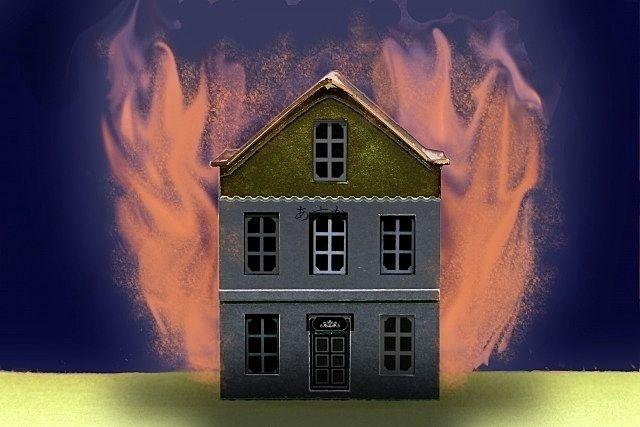 炎につつまれる建物