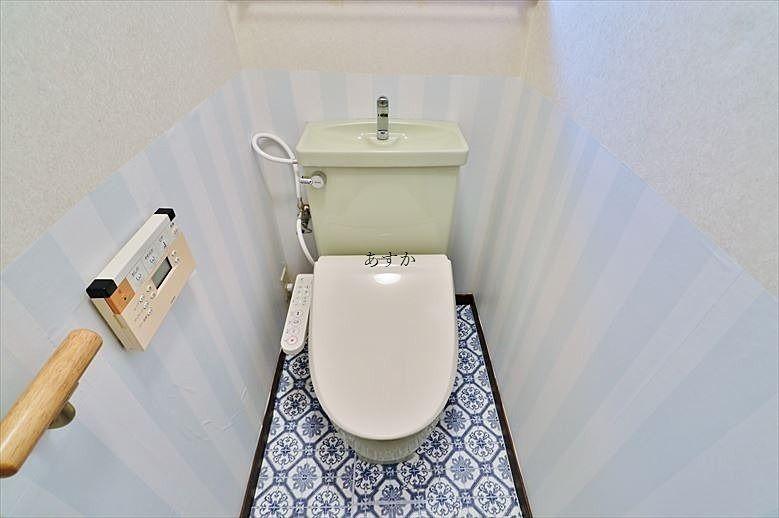 トイレの床もおしゃれです。