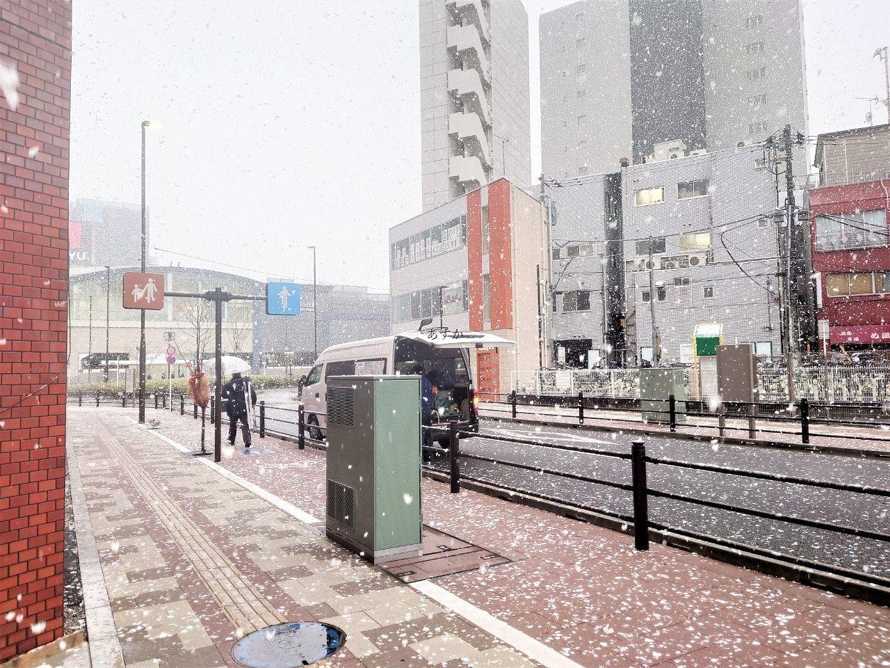 今年初?雪のひばりが丘駅の様子