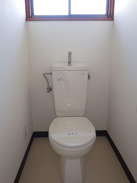 トイレも費用をかけて直しました