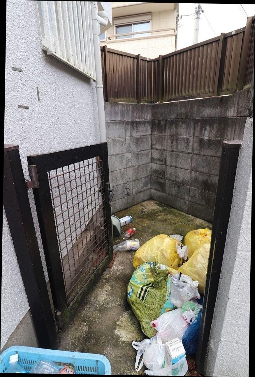 扉の中にはいつもたくさんのゴミ