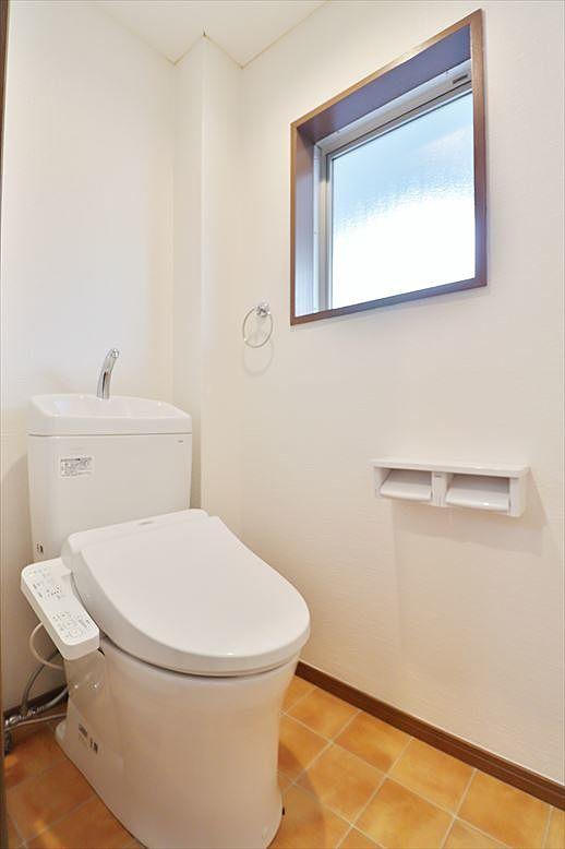 トイレも窓あり