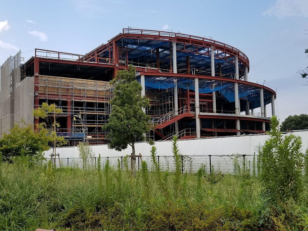 工事が進む建物