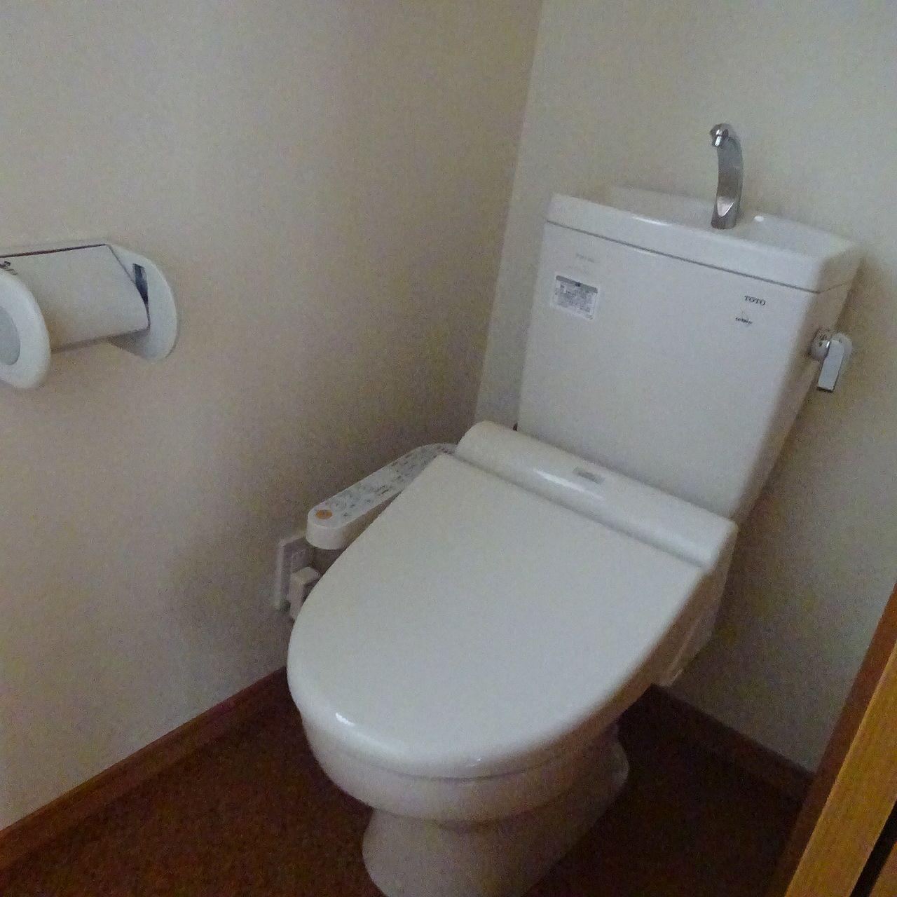 暖房洗浄便座のついた1階トイレ