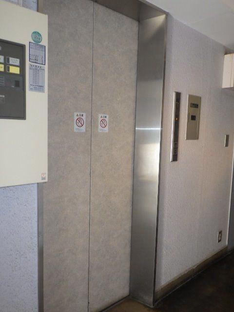 3階までは、1階からエレベーターが使用できます。